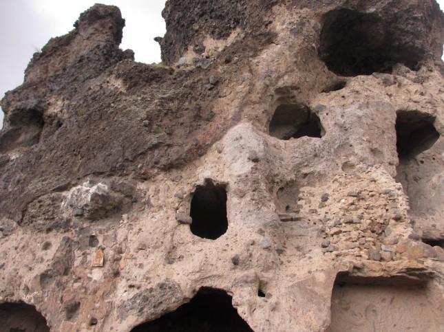 Habitations troglodytiques de Perrier