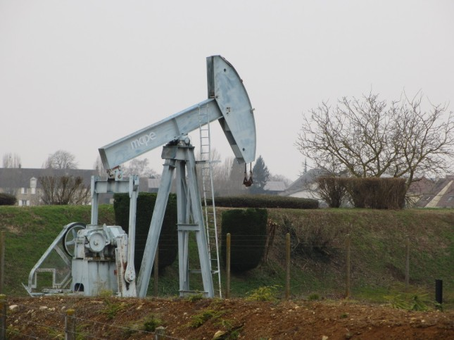 Puit de pétrole au Plessis-Pâté